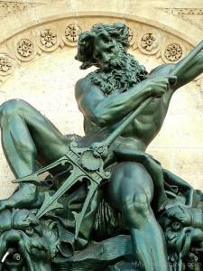 Black-Statue-Of-Neptune-mu701